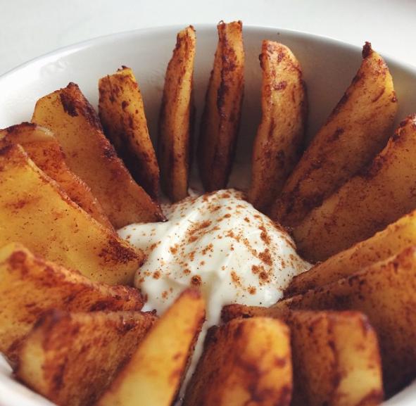 Recept: Gebakken appel met yoghurt