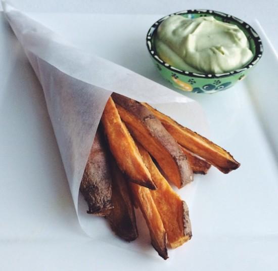 Recept: Zoete aardappel friet met Avocado dip