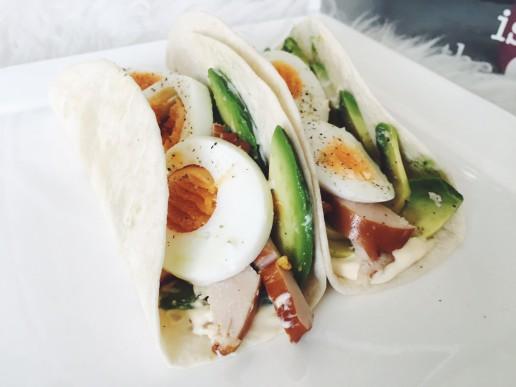 Recept: Mini tortilla met avocado & kip